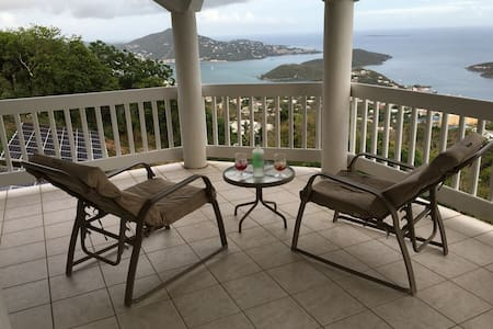 Amazing Views from Shamalie Rentals - Charlotte Amalie - Huis