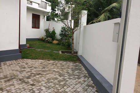 2 beds brand new house situated in Miriswatta