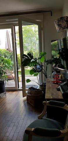 Appartement, terrasse/ jardin