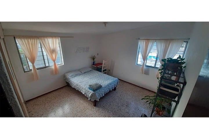 Habitación súper limpia y bien ubicada