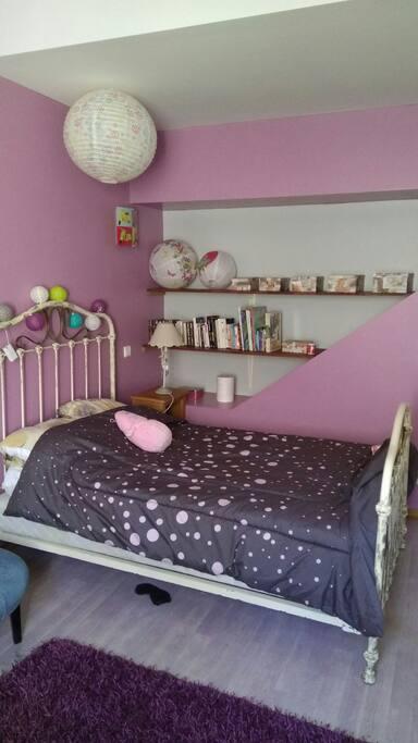 Chambre pour 1, 2 ou 3 enfants.