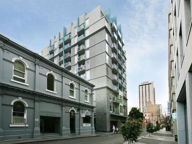 Your cosy apartment in Central CBD Melbourne