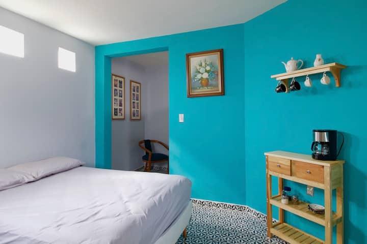 """Hermosa suite privada """"CUBA"""" en Casa Holistica"""