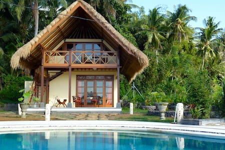 Cottage Lotus  traumhaftes Ost-Bali - amlapura - Bed & Breakfast