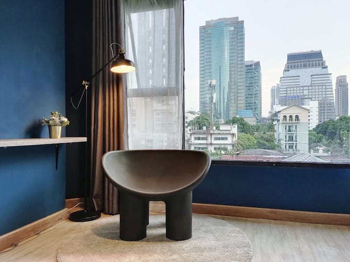 Silom Chongnonsi 1BR live in downtown