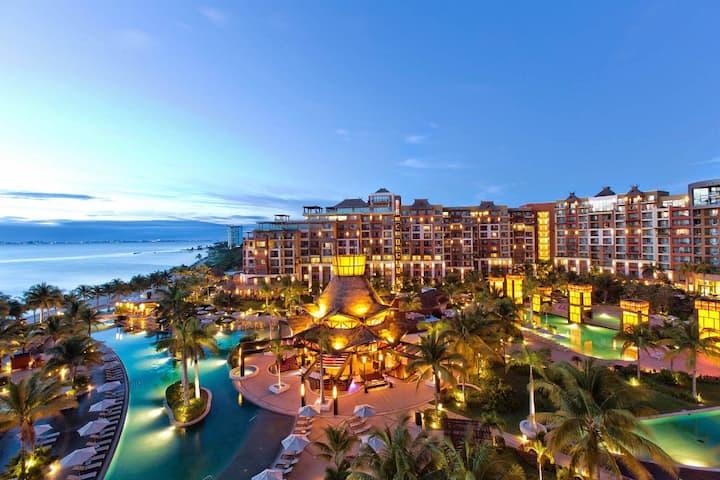 My Timeshare of 7 Villa Del Palmer Luxury Resorts