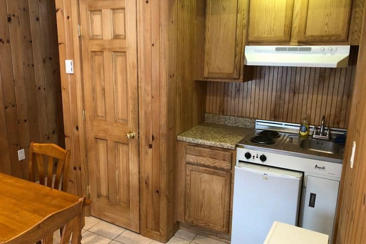Cozy Cabin 15