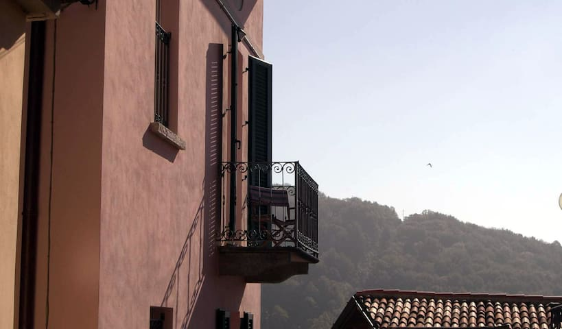 Cosy House with a View - Brunate