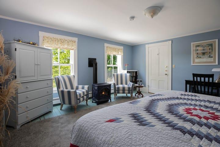 Maple Hill Farm Inn, Room 1 - Double Whirlpool Tub