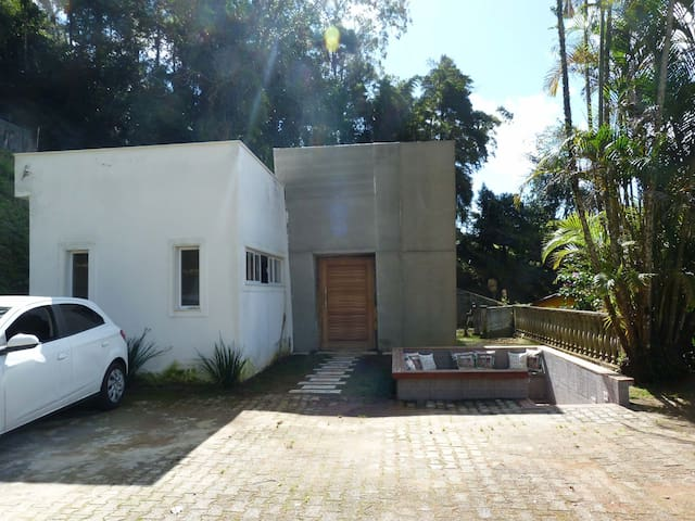 Modern House - Teresópolis