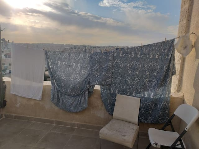 Sunny Rooftop Studio with stunning view Terrace