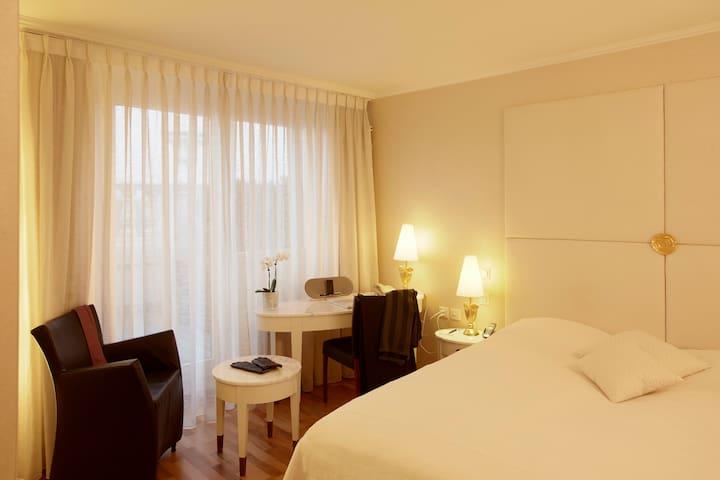 Des Balances - Double room with river view