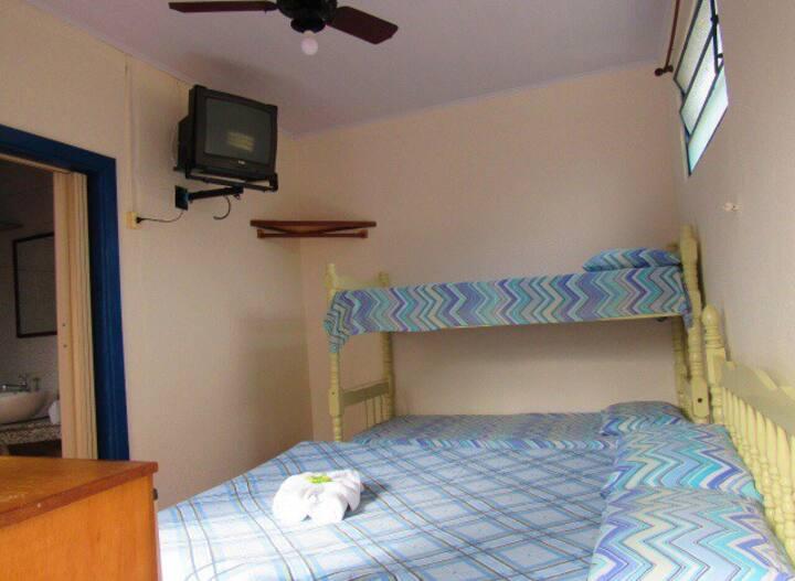 Beira Mar Suite Simples em frente ao Píer Cananéia