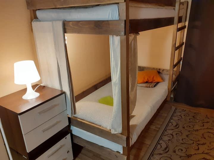 Кровать в 4-местном номере ДЛЯ ЖЕНЩИН