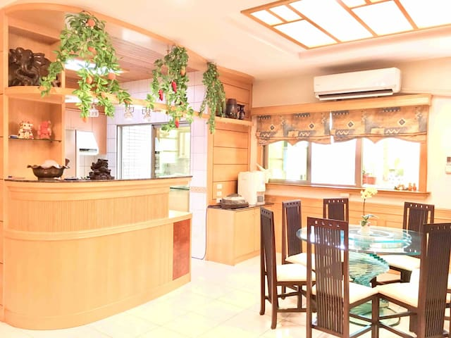 Sunny, and cozy apartment in the heart of Zhudong