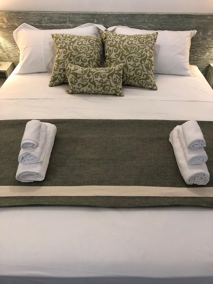 Villa Ceiba - Olive Room