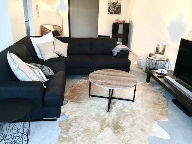 Stylish 2BR Apt Close to Everything - Cronulla - Wohnung