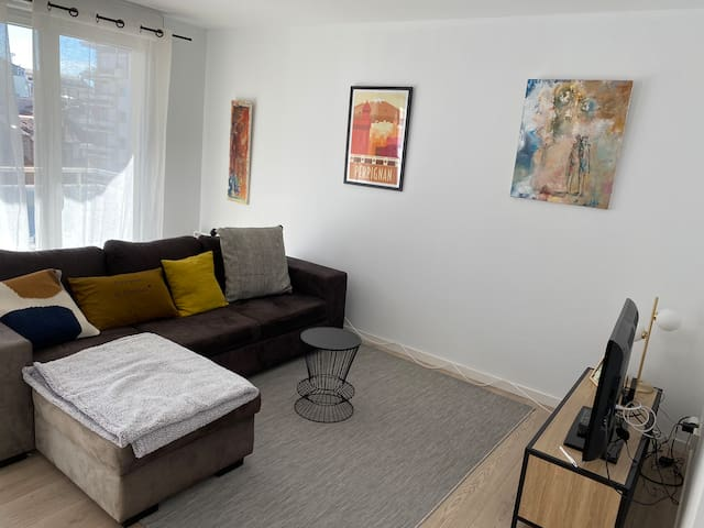 Très lumineux appartement 5 eme étage