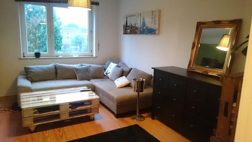 Charaktervolle 3-Zimmer Wohnung in Stadtparknähe - Hamburg - Apartmen