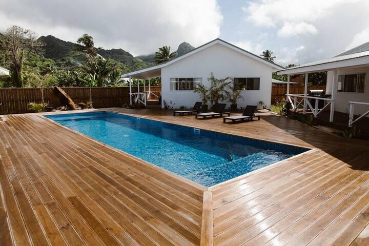 Charlie's Villa 4 Pouara