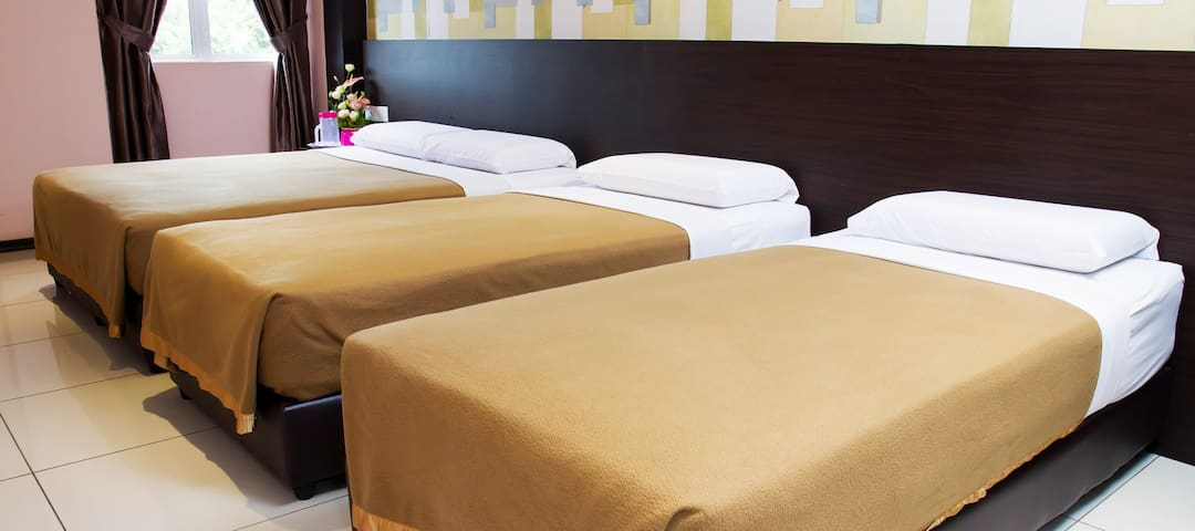 Family Deluxe Room Remember Hotel (Bukit Gambir) - Ledang District - Outro