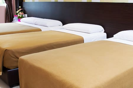 Family Deluxe Room Remember Hotel (Bukit Gambir) - Ledang District