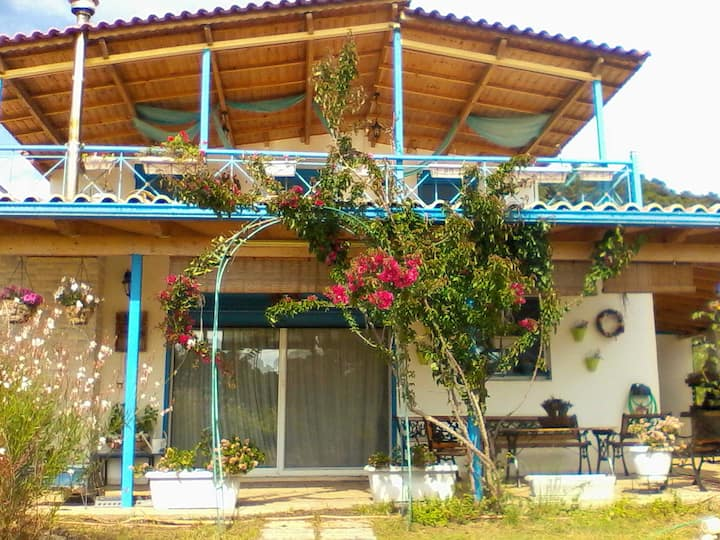 House with 3 bedrooms in Elea, with wonderful mountain view, enclosed garden and WiFi - 200 m from the beach