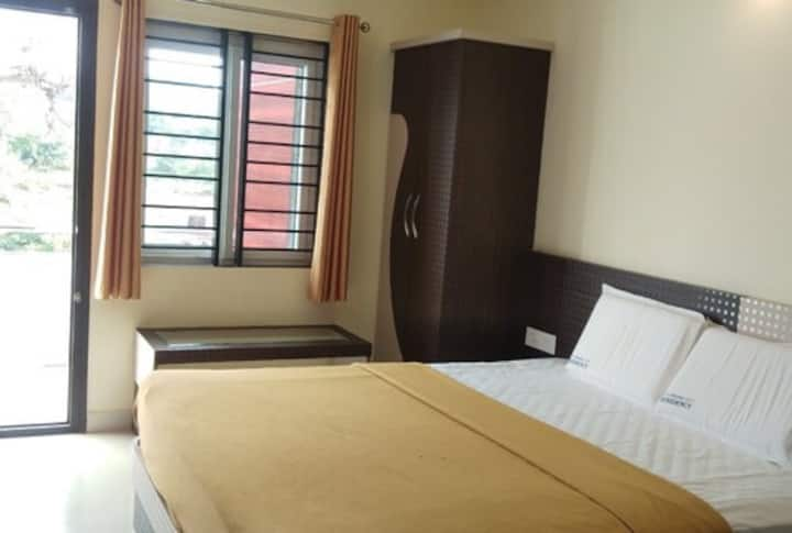 Double bed room- Chikmagalur