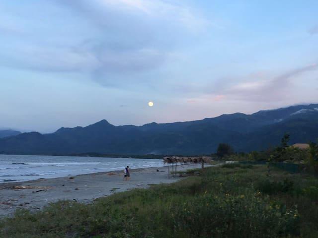 Casa de Playa, frente al Mar, en masca Omoa, Cortes, Honduras. A una hora De San Pedro Sula