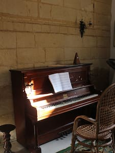 Single Room in Sliema - Sliema - House
