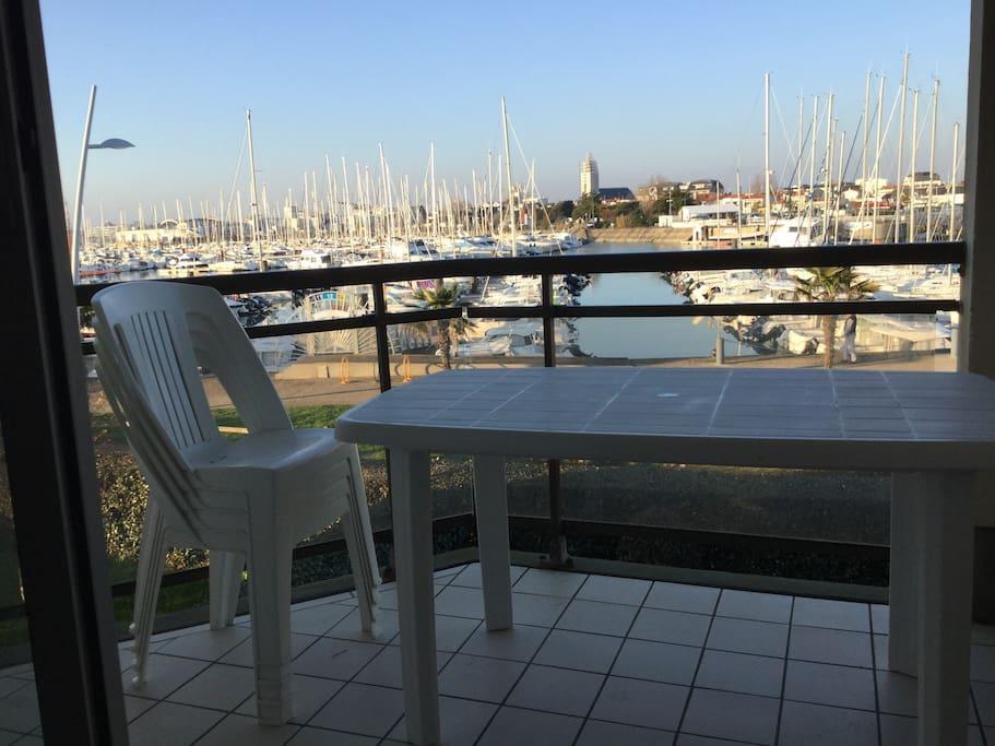 Loggia vue sur le port