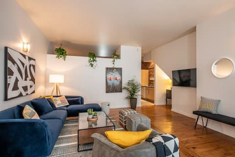 Rustic 2-BR Space & Private Terrace, Free Parking!