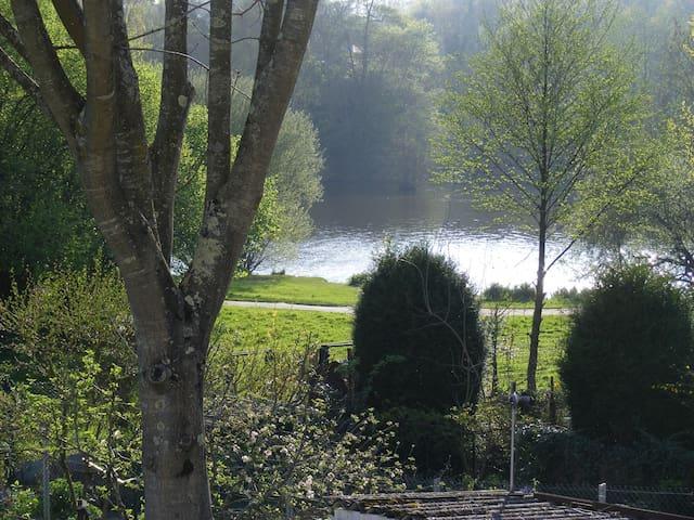 charmante maison au calme+terrasse+jardin+parking.