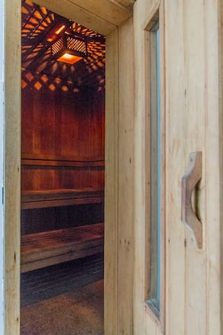 Sauna - no strings nor fees attached