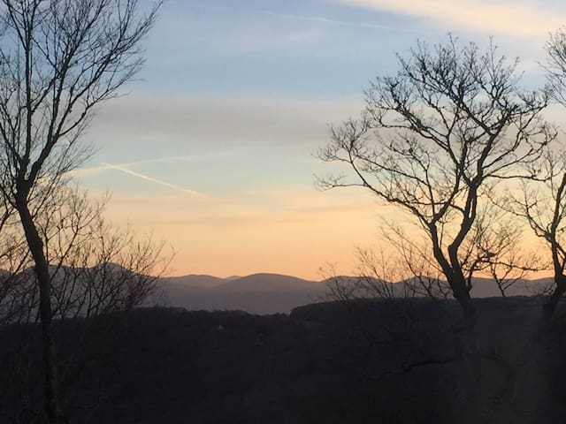 Views , hiking, biking &outdoor adventures await
