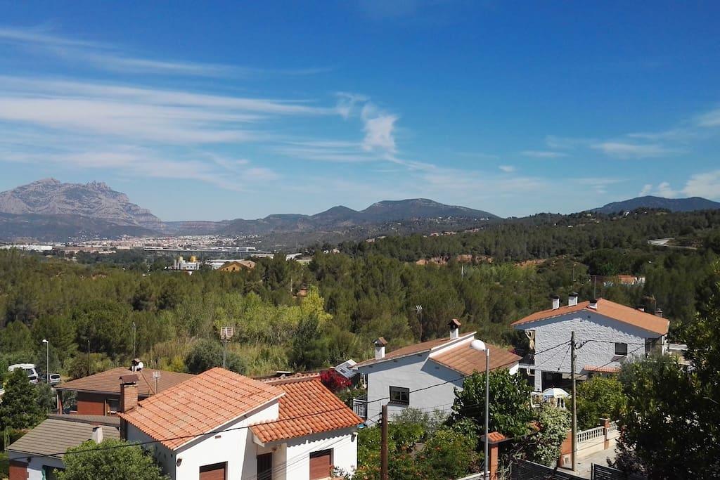 Magníficas vistas a la montaña de Montserrat.
