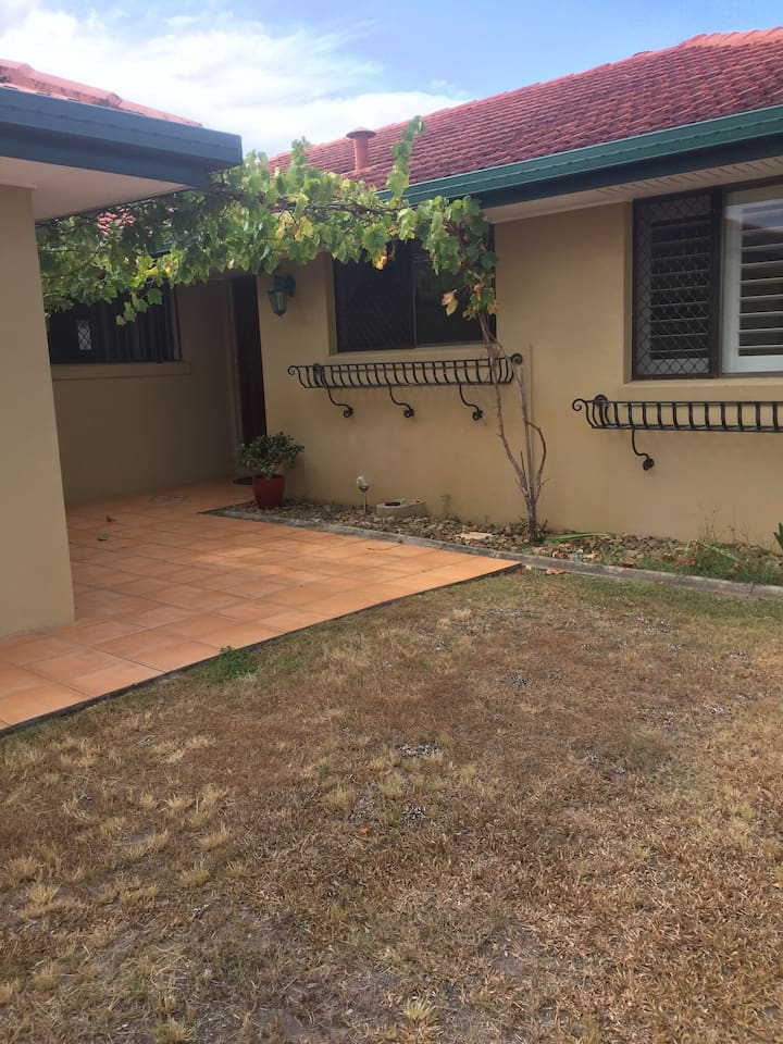 Palm Beach/Elanora three Bedroom home with pool.
