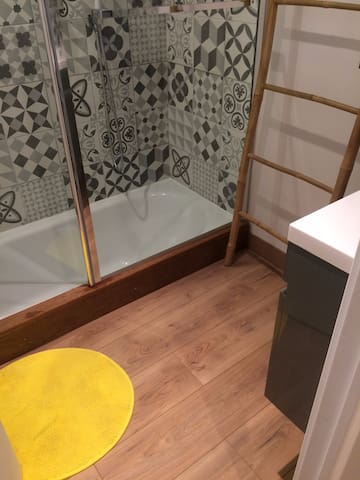 Bathroom, bathtub.