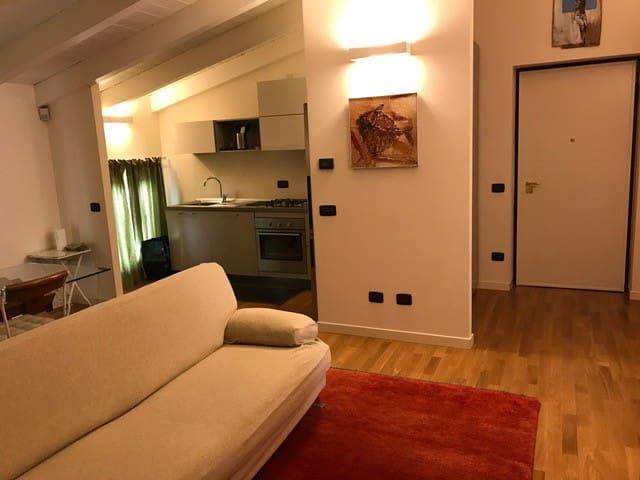 """Appartamento con garage in centro""""La casa di Dadà"""""""