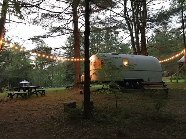 Ashokan Airstream by the Stream (in Hudson Valley)