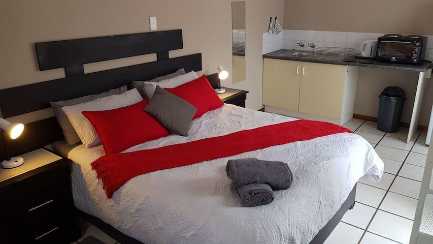 Unit 6 Accommodation@Park1285