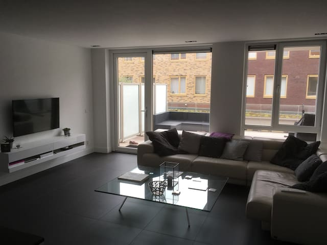 Modern/Luxery Apartment close to Schiphol airport