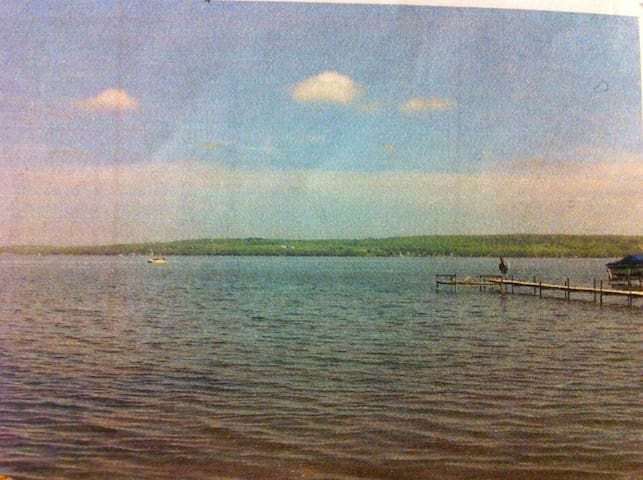 Open grass lakefront lot. Tent right on the lake. - Lakewood