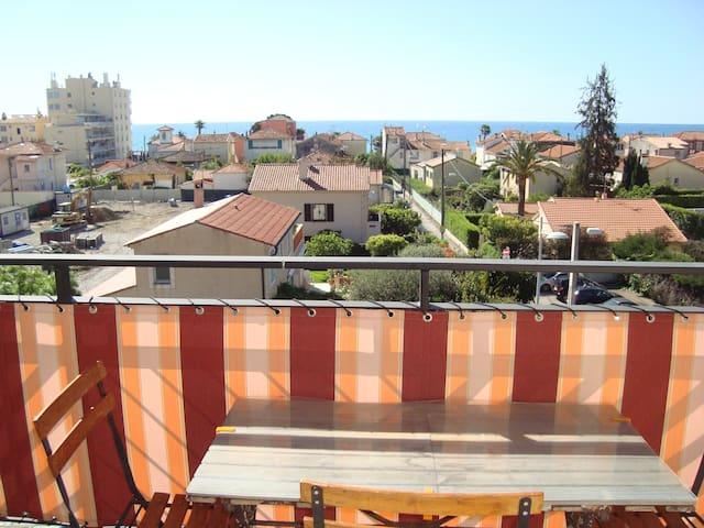 Location saisonnière 2 pièces face à la mer - Cagnes-sur-Mer - Apartamento