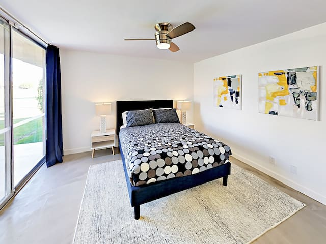 Sleep soundly in a plush queen bed in the master suite.
