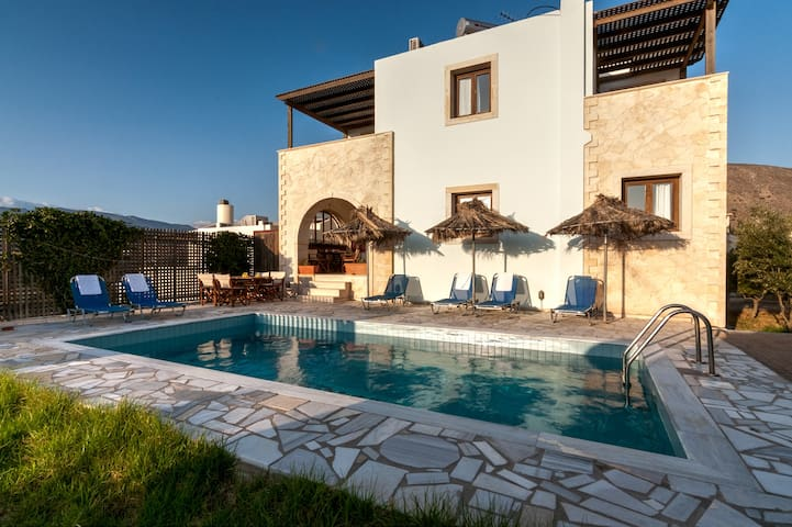 Detached pool villa on the hillside with sea view - Lasithi - Willa