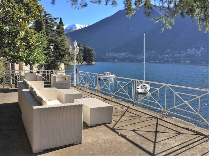 Villa Lucia Laglio with private lake access
