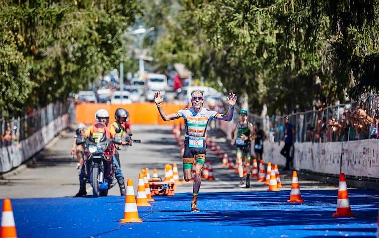 et l'arrivée de l'Embruman un des plus difficile Triathlon du monde
