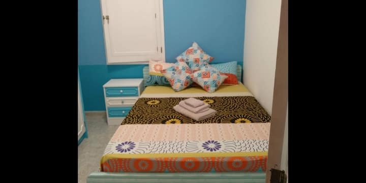 EL MAR Double Bed/Single use. Close to 2 beaches!