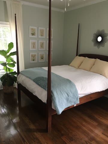 Private bedroom and bath in heart of Davidson - Davidson - Casa